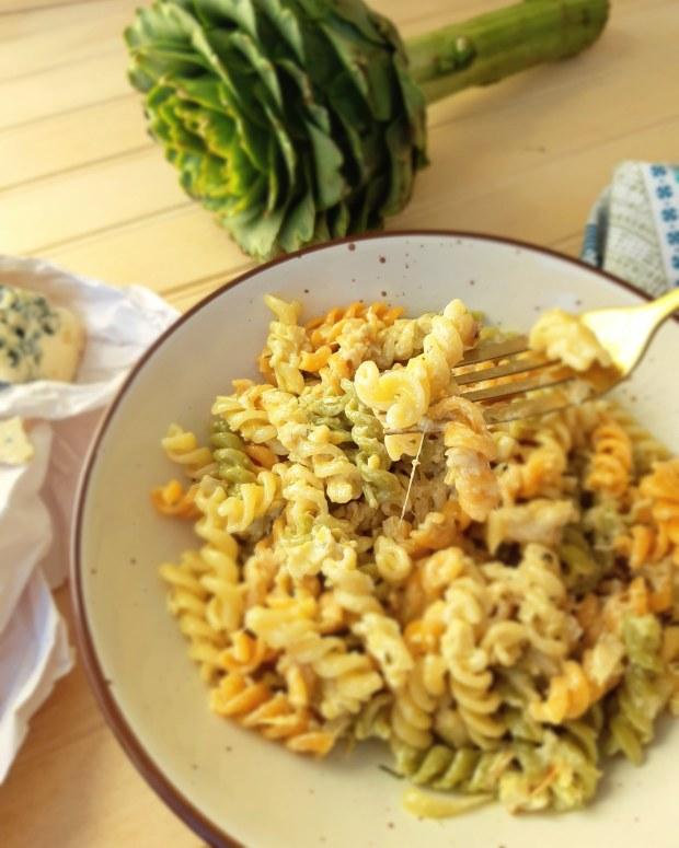 Salsa cremosa de alcachofas y queso
